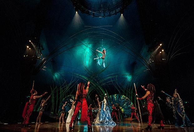 Выступление цирка «Cirque du Soleil»