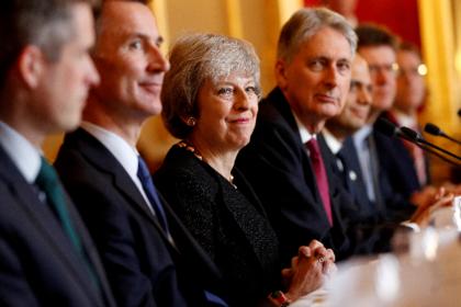 Британский министр проговорился о планах сместить Терезу Мэй