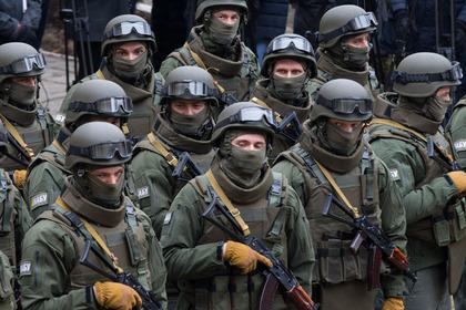 Украинские солдаты разгромили базу отдыха на границе с Крымом