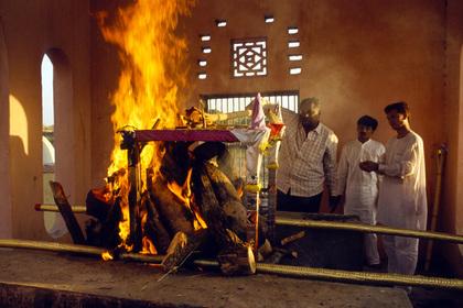 Женщина «воскресла» после кремации