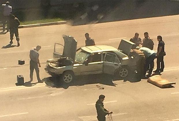 Машина подростков, напавших на полицейских в Грозном