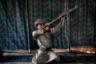 Гражданская война в Йемене не утихает уже пятый год, сдаваться не собираются ни повстанцы-хуситы, ни войска коалиции во главе с Саудовской Аравией. Отправлять в бой детей не брезгуют обе стороны, однако, как отмечало Associated Press, хуситы вербуют куда более активно, зачастую не предоставляя новобранцам выбора. По словам одного из высокопоставленных хуситских военных, с начала конфликта в 2014 году они отправили в бой около 18 тысяч детей. Это почти в семь раз превышает данные ООН. Международная организация не может получить точные сведения еще и потому, что многие семьи просто не признаются, что отправили ребенка на войну.