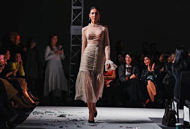 Динагул Тасова в платье бренда Dana Dyusembayeva