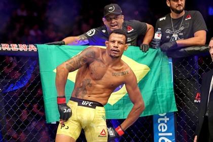 Боец UFC пережил взрыв гранаты