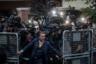 Неизвестный пытается сдержать группу журналистов у консульства Саудовской Аравии в Стамбуле. Репортеры снимают прибытие государственных следователей, ведущих дело об исчезновении журналиста Джамаля Хашкуджи. Позже будет установлено, что Хашкуджи был убит 2 октября в дипломатическом представительстве. Его труп расчленили и вынесли с территории резиденции. Турецкая сторона предполагает, что заказчиком преступления может быть наследный принц Саудовской Аравии Мохаммед бин Салман. В декабре Хашкуджи посмертно был признан человеком года по версии журнала Time.