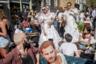 Жители Лондона нарядились в свадебные платья ради уличной вечеринки в честь бракосочетания принца Гарри и актрисы Меган Маркл 19 мая 2018 года.