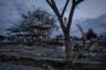 Цунами, вызванное землетрясением магнитудой 7,5, обрушилось на побережье Индонезии на острове Сулавеси осенью 2018 года. Число жертв превысило две тысячи человек. Потерявшие имущество и близких местные жители стали промышлять мародерством. Чтобы обезопасить гуманитарные конвои от разбоя, правительство привлекло к их охране полицию и военных.