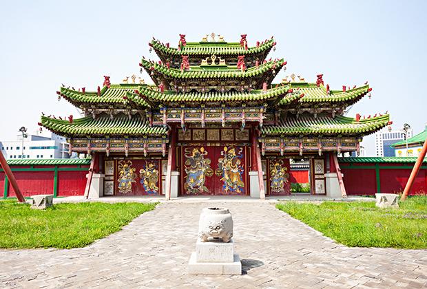 Дворец Богдо-гэгэна — одна из главных достопримечательностей столицы Монголии Улан-Батора.
