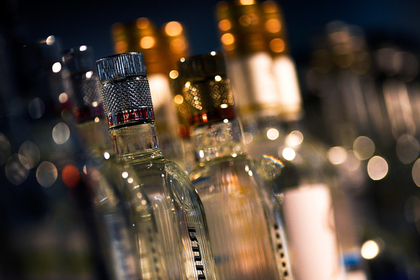Обыски в «Красном и Белом» связали с кражей водки у полиции