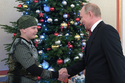 Президент РФ Владимир Путин и участник проекта «Мечтай со мной» Коля Кузнецов