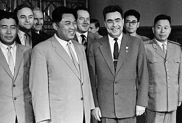 Ким Ир Сен и Леонид Брежнев
