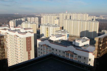 Невзрачные молодые люди заинтересовались элитными квартирами в Москве