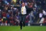 Главный тренер «Америки» Мигель Эррера празднует победу над «Круз Азул». Мексиканские тренеры по-другому не умеют.