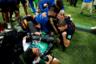 Хорваты так радовались решающему голу в матче со сборной Англии на чемпионате мира по футболу, что завалили сальвадорского фотографа Юри Кортеса. Находящийся рядом фотограф Reuters Карл Ресин запечатлел эпичный момент. Все началось с того, что забивший второй мяч Марио Манджукич устремился к ликующей команде. Такого фотограф не ожидал. На всякий случай   он отступил, чтобы его не сбили с ног. Он радовался, потому что спортивным фотографам редко удается запечатлеть такие курьезы.  <br> <br> Ресин вспоминает, как только Кортес упал, его подхватили хорватские игроки. Они хотели убедиться, что с ним все в порядке и даже надели ему на глаза свалившиеся на пол очки. <br> <br> «Это был особенный и уникальный момент, и я был рад стать его частью», — гордится фотограф Reuters.