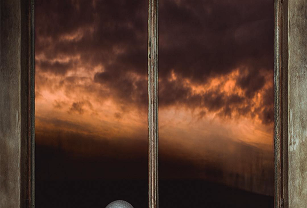 Фотограф Софи Джейн запечатлела своего сына после посещения исторического заповедника в Окленде. Подземные туннели бывшего военного объекта произвели на мальчика невероятное впечатление. Он стоял у одного из фортов совершенно обескураженный, и фотограф успела запечатлеть ребенка, возможно, представлявшего себе военные сцены прошлого.