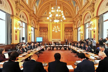 Лондон опроверг заявление о возвращении российских дипломатов и выдал им визы