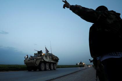 Покидающие Сирию американские войска захотели оставить оружие курдам
