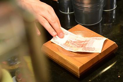 Подсчитана скорость падения рубля за год