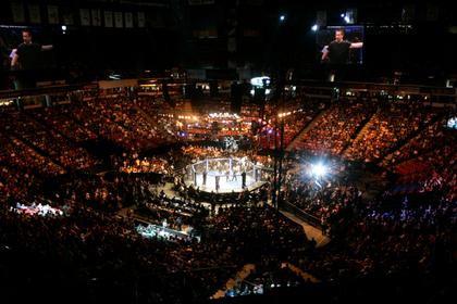 Боец MMA атаковал пожилую пару на глазах у внуков