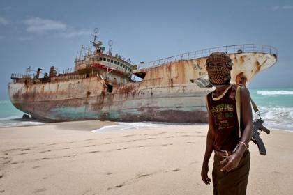 Пираты похитили россиян у берегов Африки