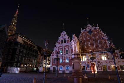 Россиянка и немец занялись сексом в центре Риги и попались