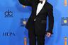 Одним из самых торжественных моментов церемонии стало награждение мало снимающегося в последнее время 74-летнего Майкла Дугласа. Ветеран Голливуда победил в номинации «Лучший актер в комедийном сериале» за роль в вышедшем в конце прошлого года «Методе Коминского». Сериал о некогда популярном артисте, переквалифицировавшемся в преподаватели лицедейского мастерства, также выиграл и приз за лучшую телекомедию.