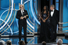 «Роме» Альфонсо Куарона, уже взявшей главный приз Венецианского фестиваля, предрекают и триумф на грядущем «Оскаре» — причем не только в категории «Лучший фильм на иностранном языке». На «Глобусе» Куарон, кроме этой номинации, победил также и в режиссерском соревновании — в число лучших драм «Рома» парадоксальным образом при этом не попала.