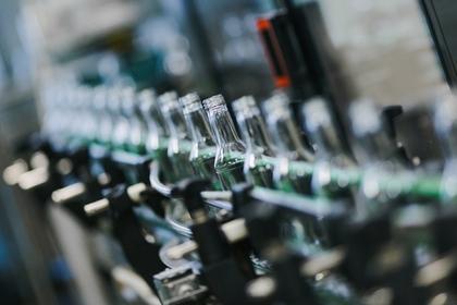 Цех розлива готовой продукции на предприятии по производству водки