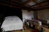 37-летняя Бланка и ее 18-летняя дочь Норма, как и сотни других, были похищены преступниками. Спустя четыре дня их тела нашли на пустыре на окраине гондурасской столицы. Отпевали мать и дочь в гараже.