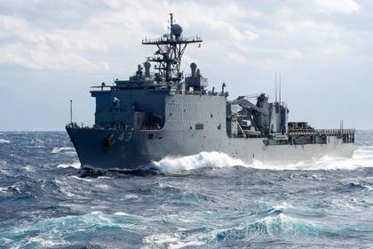 Десантный корабль США уплыл из Черного моря