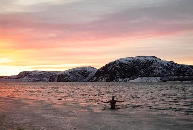 Капитан «Норманнов» закрывает купальный сезон. Декабрь 2018-го, Териберка, Северный ледовитый океан