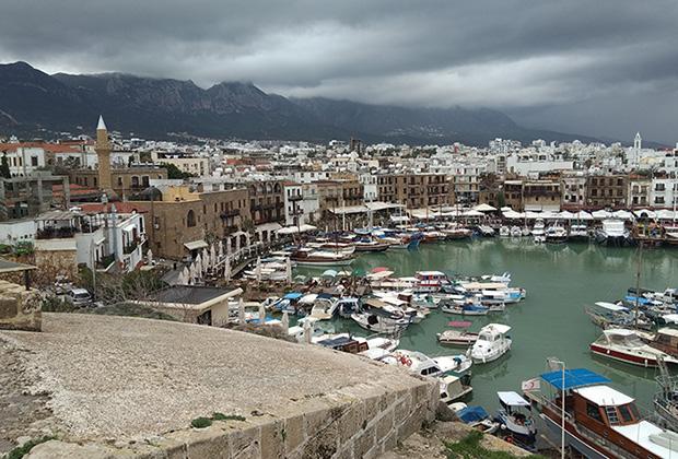 Вид, открывающийся с Киренийской крепости