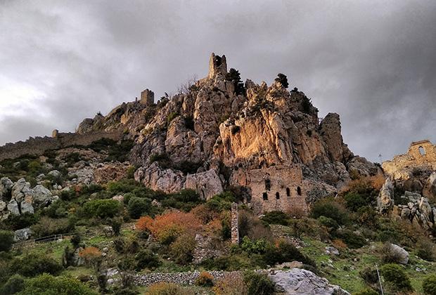 Замок святого Иллариона на гребне Киренийского хребта