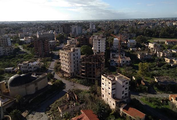 Вид с крыши самой высокой гостиницы Вароши