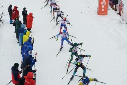 Украинцев сняли с победной для россиян эстафеты на Кубке мира по биатлону