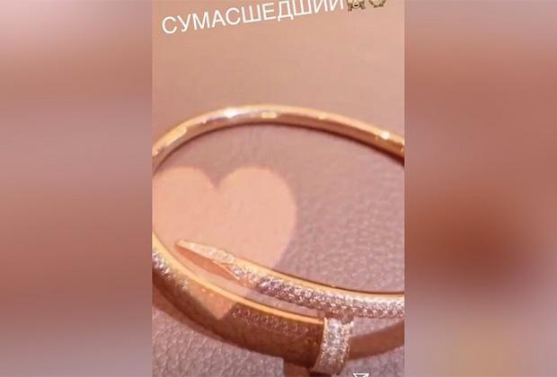 Браслет Cartier Juste Un Clou стоимостью 3 320 000 рублей