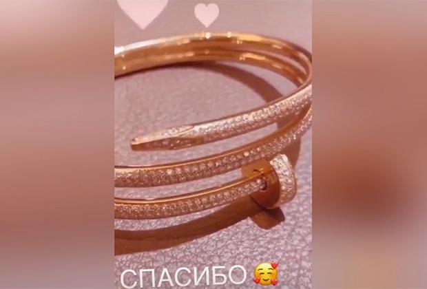 Браслет Cartier Juste Un Clou стоимостью 6 100 000 рублей