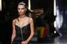 Даже на мужской неделе моды Эмили Ратаковски всегда рады. Особенно когда на Эмили Ратаковски так неожиданно много одежды.