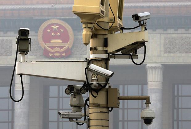Камеры слежения в Пекине на площади Тяньаньмэнь