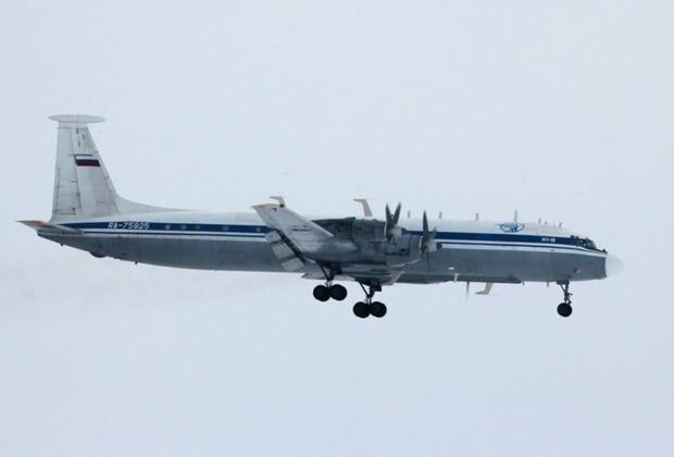 Также военные должны получить два первых модернизированных самолета управления и ретрансляции Ил-22М11. К 2021 году Вооруженные силы ожидают поставку пяти таких машин. Финансирование работ по модернизации самолетов составляет 1,6 миллиарда рублей.
