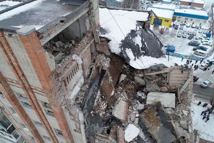 Число жертв взрыва в жилом доме в Шахтах выросло