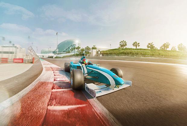 В Абу-Даби регулярно проводятся гонки Formula-1. Специально построенная трасса на острове Яс в свободное от соревнований время, находится в распоряжении всех любителей скорости, желающих прокатиться на болиде. Для этого нужно заранее на сайте компании выбрать машину и пилота.