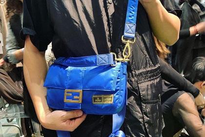 d55d597f447 Мужчин призвали носить женские сумки  Стиль  Ценности  Lenta.ru