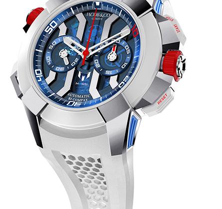 Модель хронографа с колонным колесом выпущена в честь знаменитого аргентинского футболиста Лионеля Месси. Часы в 47-миллиметровом титановом корпусе оснащены механизмом калибра JCAA05.
