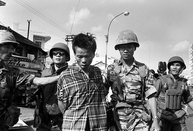 Полевой командир вьетконговцев Нгуен Ван Лем после задержания