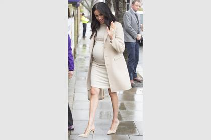 Меган Маркл вышла на публику в дешевом платье