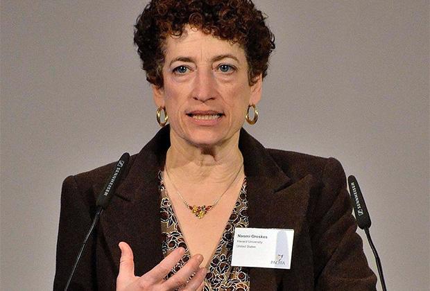 Автор книги «Торговцы сомнениями» Наоми Орескес
