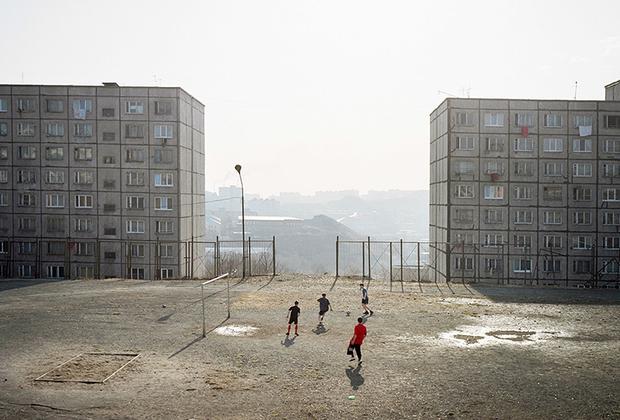 Фотографа отмечали и в России. Он стал лауреатом главных отечественных премий в области современного искусства — «Инновации» и премии Кандинского.