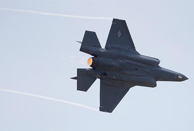 Истребитель пятого поколения F-35 Lightning II