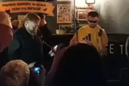 Депутат Госдумы посетил концерт «Гопоты» и выслушал песню про себя